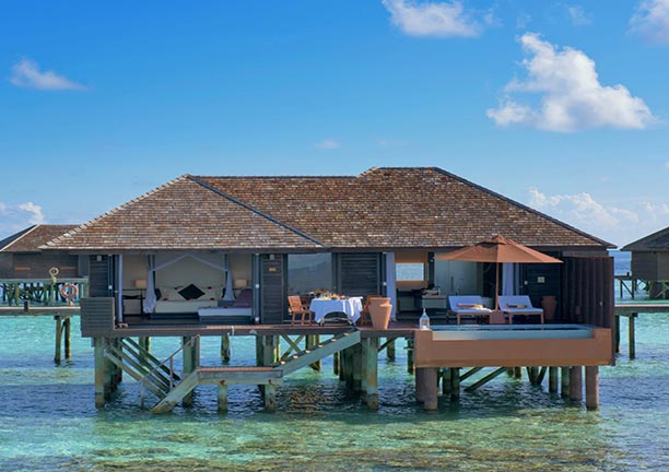 Over Water Bungalow mit Pool